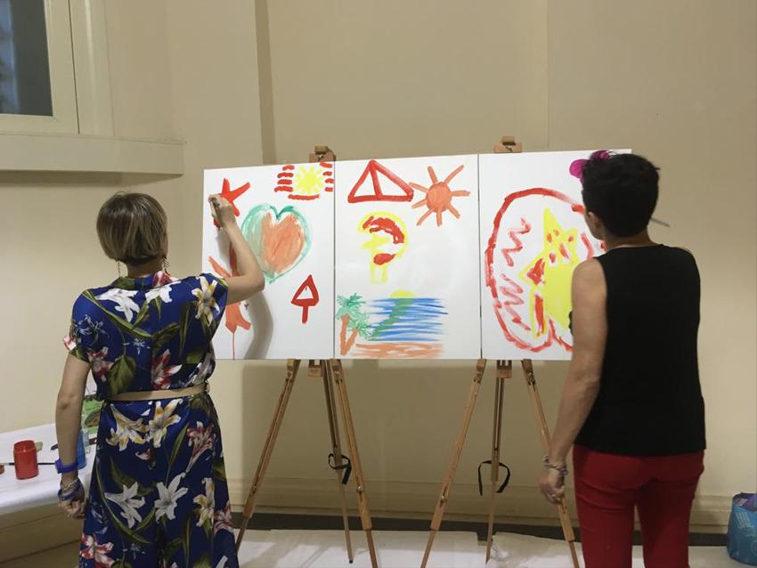 Realizzazione di un' opera pittorica a più mani a cura dei partecipanti al Convegno del 29 giugno tenutosi a  Lecce presso il Convitto Palmieri